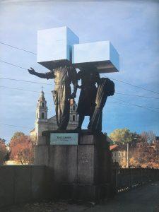 Gediminas Urbonas. Ateini ar išeini. Žaliojo tilto skulptūros, metalas, veidrodis. 1995